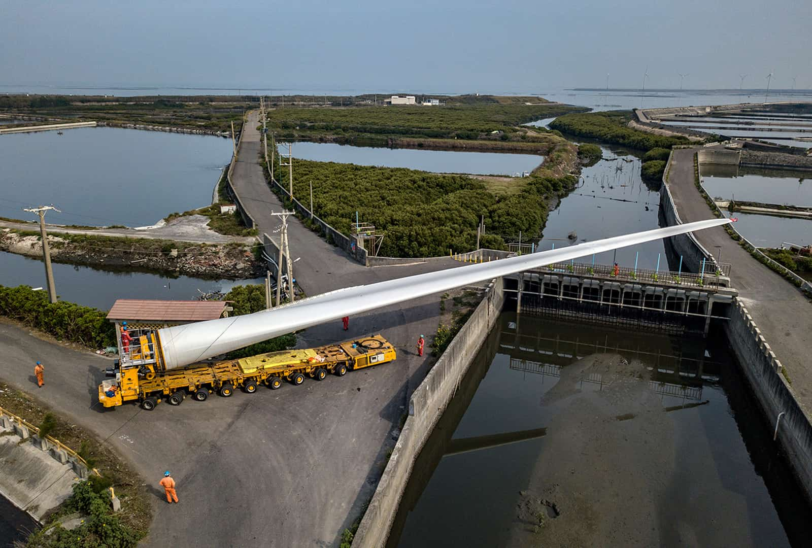 Hanbao Wind Turbine transport and lifting